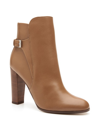 Lois Boot
