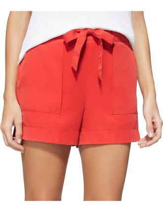 Belted Tuck Short