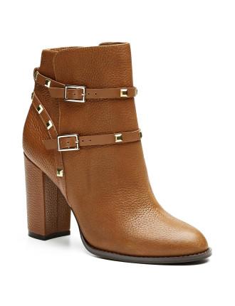 Violet Boot
