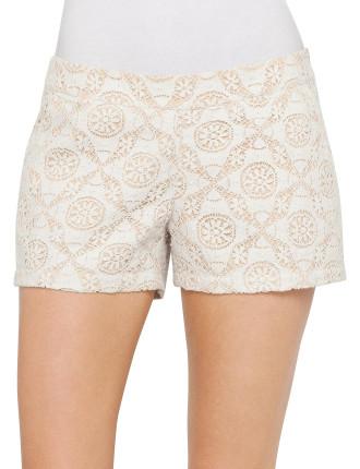 Jorletta Geo Crochet Short With Lining