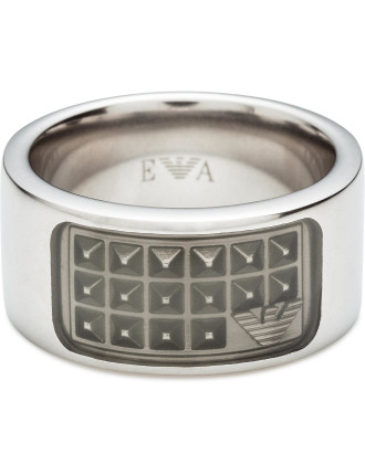 Ring With Grid Pattern