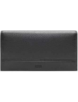 Traveller Pebbled Leather 16cc Vertical Coat Wallet