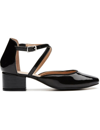 Cross Front Shoe