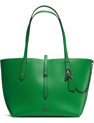 MARKET TOTE IN POLISHED PEBBLE LEATHER WITH REBEL CHARM
