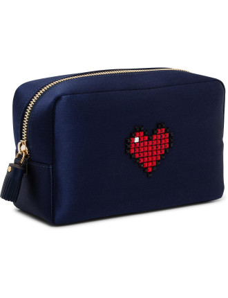 MAKE UP POUCH HEART IN INK SATIN W CIRCUS TRIM