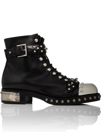 Show Boot Flat With Studs