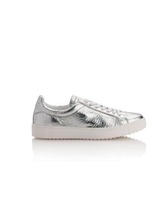 Cartel Metallic Low Top Sneaker