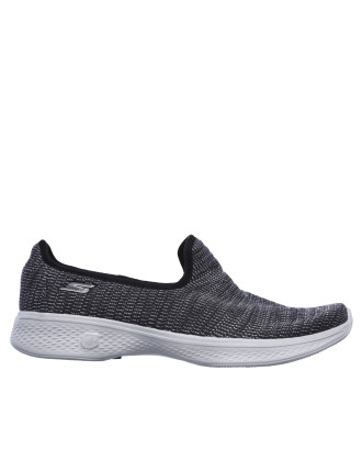 Go Walk 4 - Select Sneaker