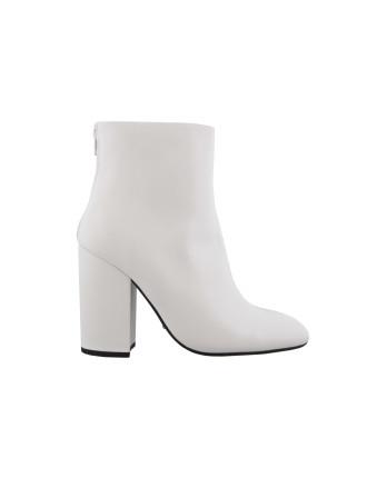 Aseki Boot
