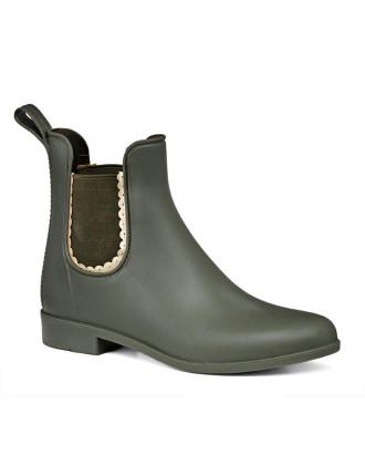 Sallie Rainboot