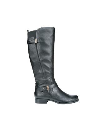 Joan Boot