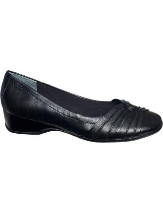 Tallise Loafer