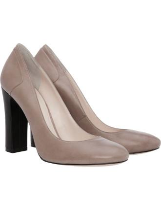 Grand Classic Heel