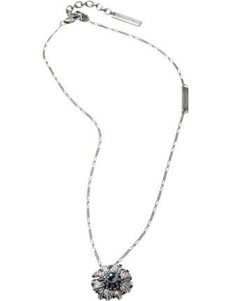 Dark Plumes Pearl Pendant