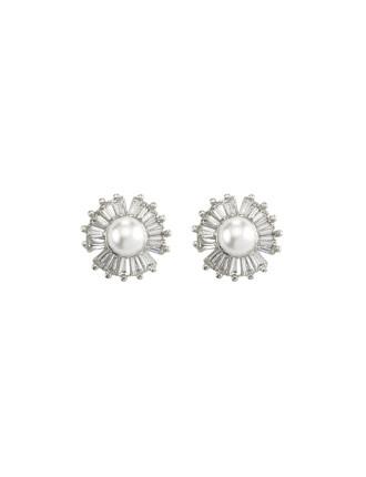 Velvet Ocean Pearl Stud Earrings