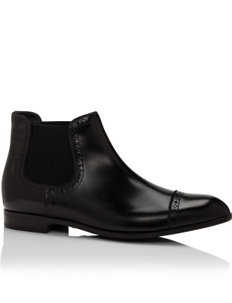 Leather Chelsea Boot W/ Brogue Detail Cap Toe