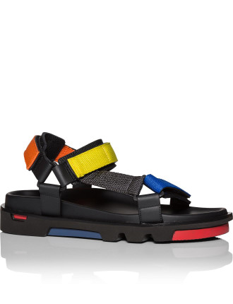 Sport sandal w/ XL sole and pop straps