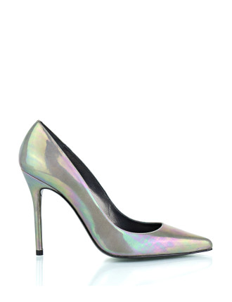 Nouveau Pointed Toe Pump On A High Heel