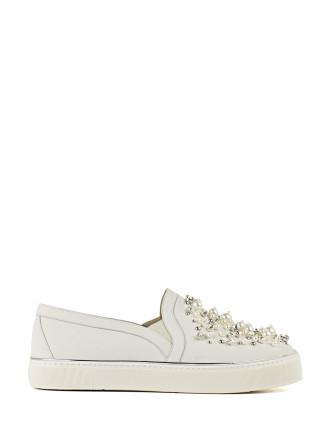 Decor Pearl Embellished Sneaker