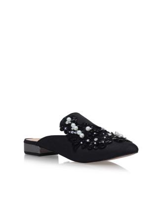 Okka Black Flat Slippers