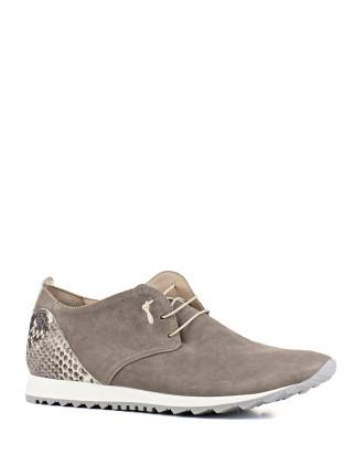 Jingle Lightweight Leather Sneaker