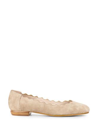 Faldo Scalloped Ballet Flat