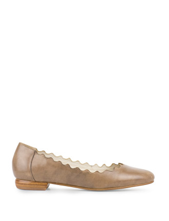Faldo Scalloped Ballet Flat