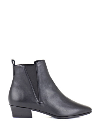 Fausta Edgy Chelsea Boot