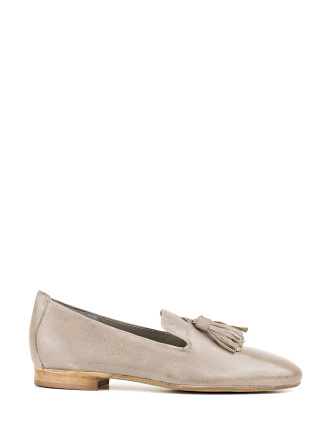 Glow Soft Tassel Loafer