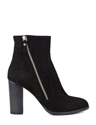 Whisk Hi Ankle Boot With Zip