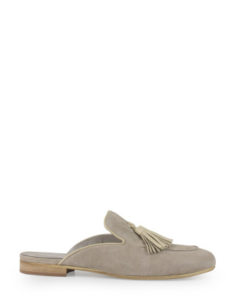 Hoopla Closed Toe Slide With Tassel