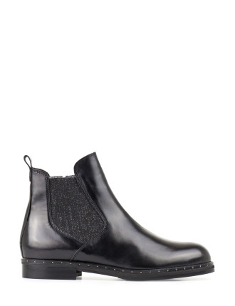 UNBOWED CHELSEA BOOT WITH STUDDED SOLE