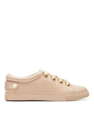 Intell Sneaker