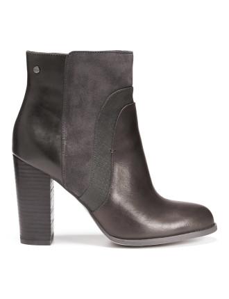 Topshelf Boot