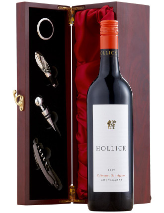 Cabernet Sauvignon and Wine Accessory Gift Set