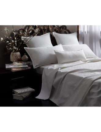 Chinese Key Matelasse Coverlet King Bed