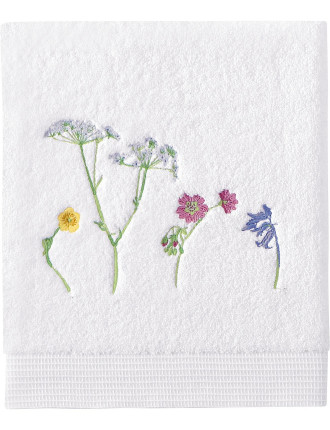 Beaucoup Embroidered Bath Towel