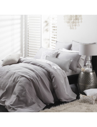 Manhatten Silver Queen Bed Quilt Cover Set