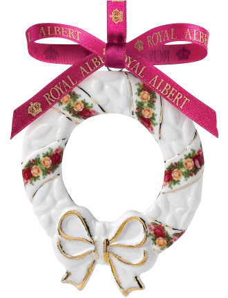 Old Country Roses Holiday Wreath Decoration