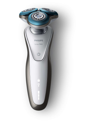 S7710SC Sensitive Skin Shaver With Smart Clean